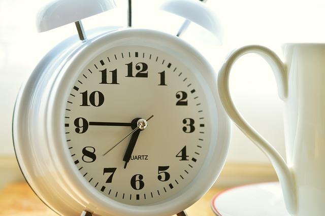 alarm-clock-2116008_640